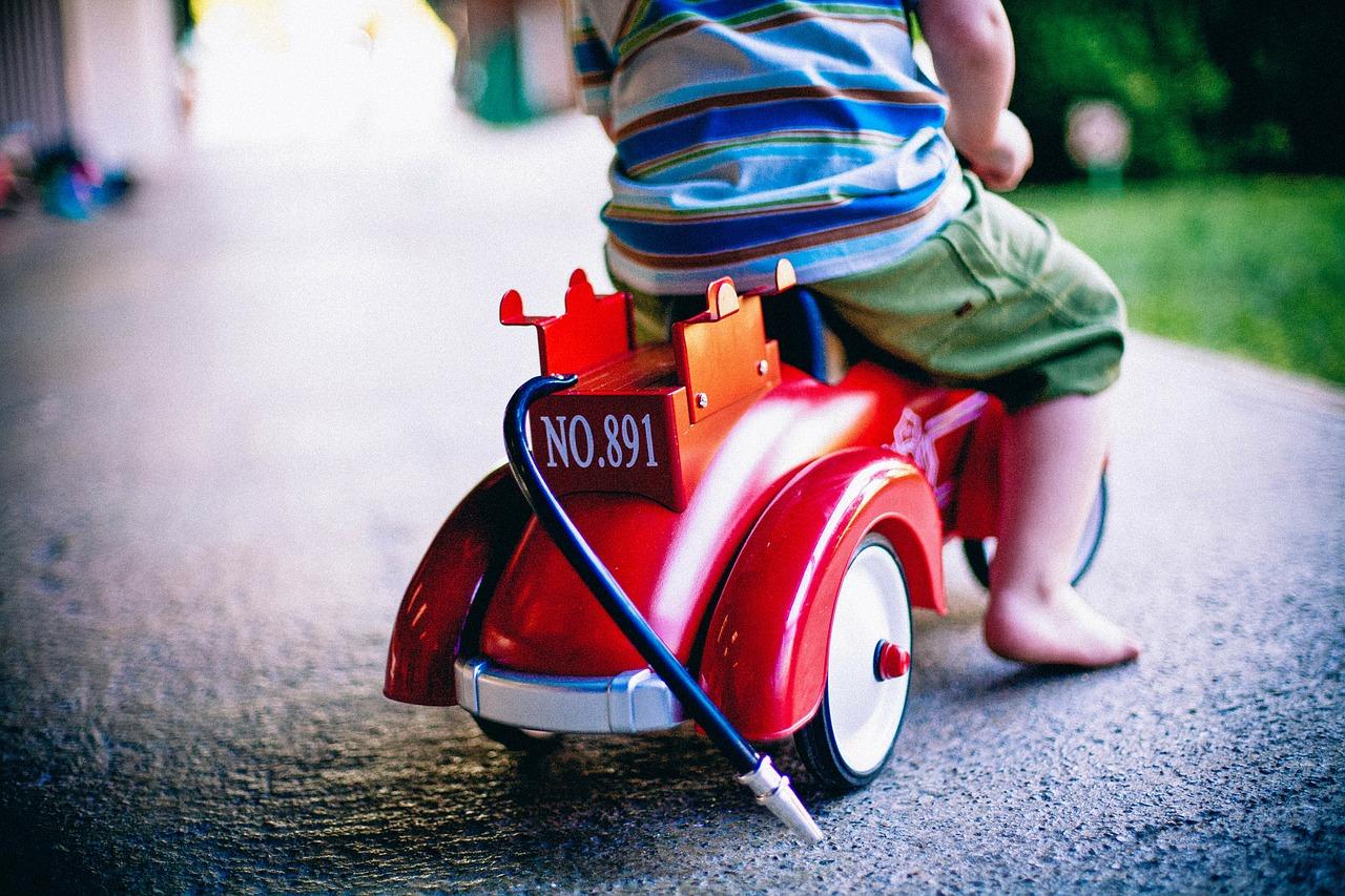 Czy nasze dziecko potrzebuje jeździk? Jeździk Big Bobby Car